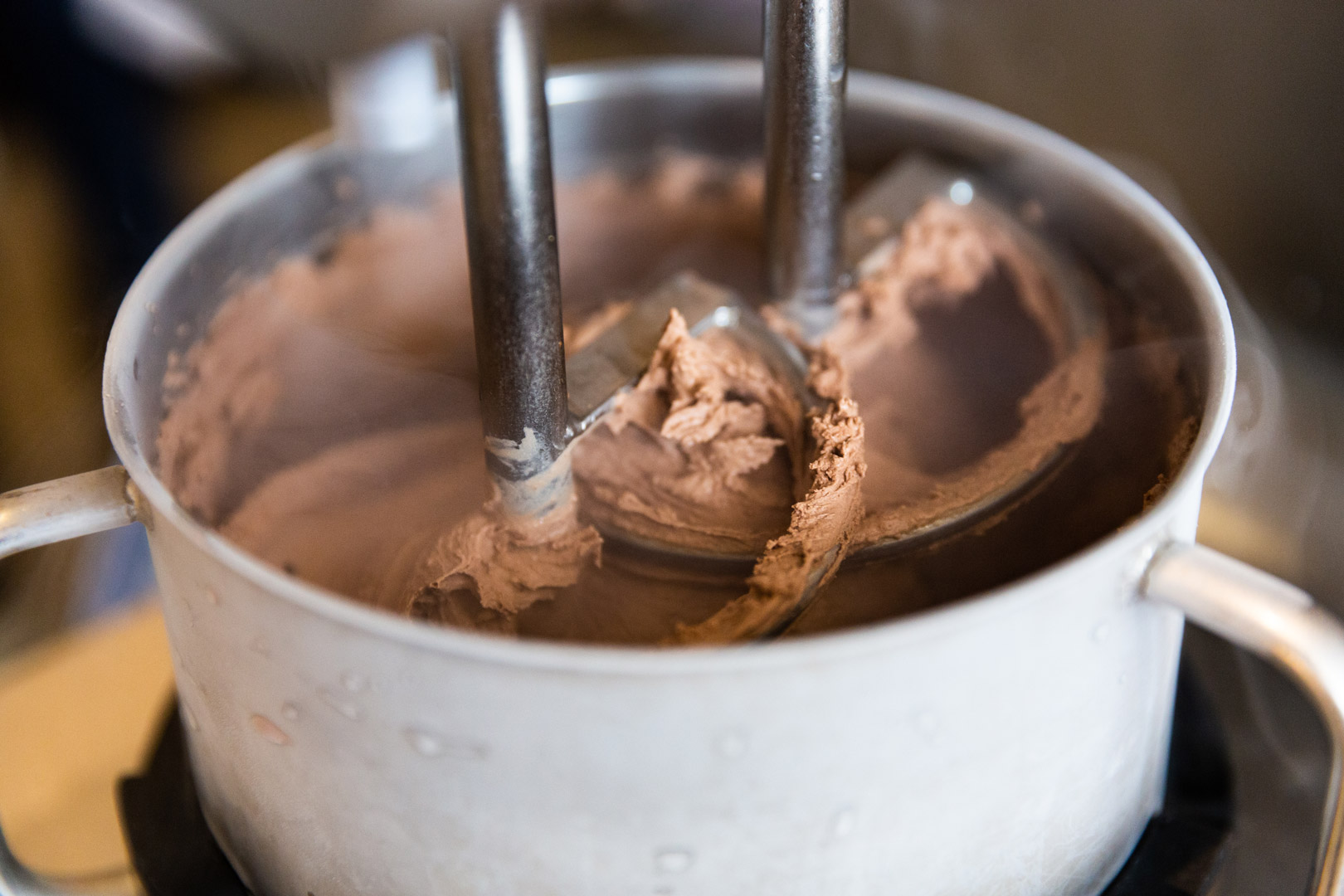 how-smitten-is-reinventing-ice-cream-chocolate-churning.jpg