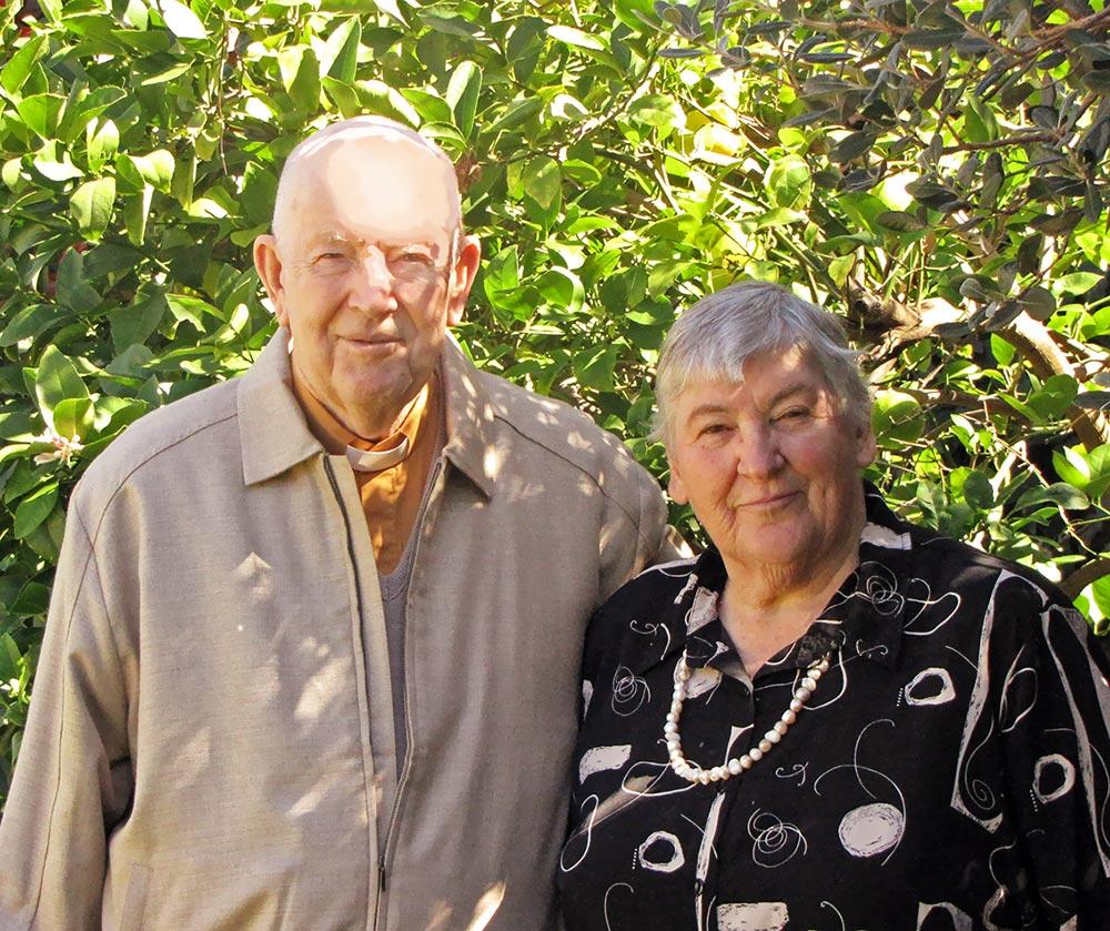 TOM & ANNE JEWETT