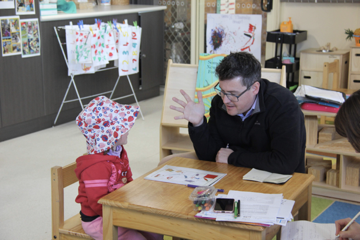 Ed, Umbo's CCO and speech pathologist working with children at Dubbo West Preschool