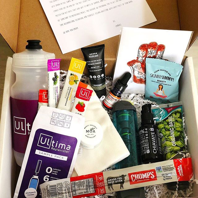 Honored to be gifted another @ybcmantrabox to try out and let everyone know what I thought! Swipe to see more! . It's amazing! The Spring Mantra Box® was full of items that inspire gratitude and grounding! It's $49.99 and they shop worldwide and also make a perfect gift. They come designed towards anyone who loves to support small businesses, anyone who loves health, fitness, hygiene, snacks, cooking or travel. They can also be tailored to be for men, women, vegan and/or gluten free. They also offer a discount on purchasing more products as well. . . The next one ships late August and will feature 7-11 more amazing products and only 150 boxes are available so get yours NOW! . . #myybcmantrabox #ybc #yogabycandace #discoverybox #goodthingsarecoming #healthylifestyle #healthandfitness #allnatural #allnaturalbeauty #sponsored