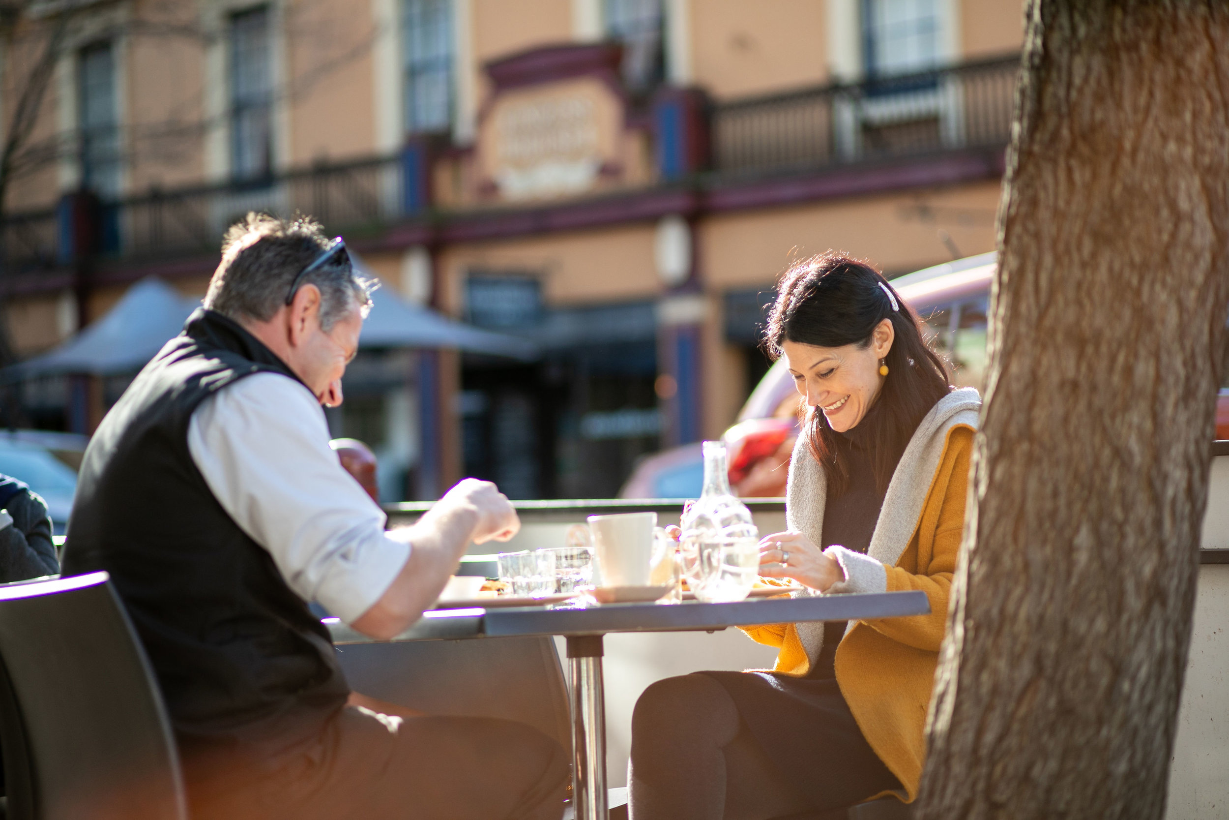 Alfresco dining, winter style on George St, Launceston. Image: Melanie de Ruyter for Winterlicious 2019.