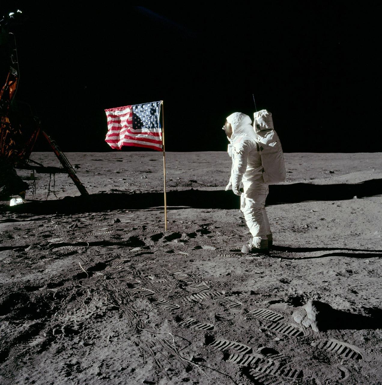 moon-landing-62879_1280.jpg