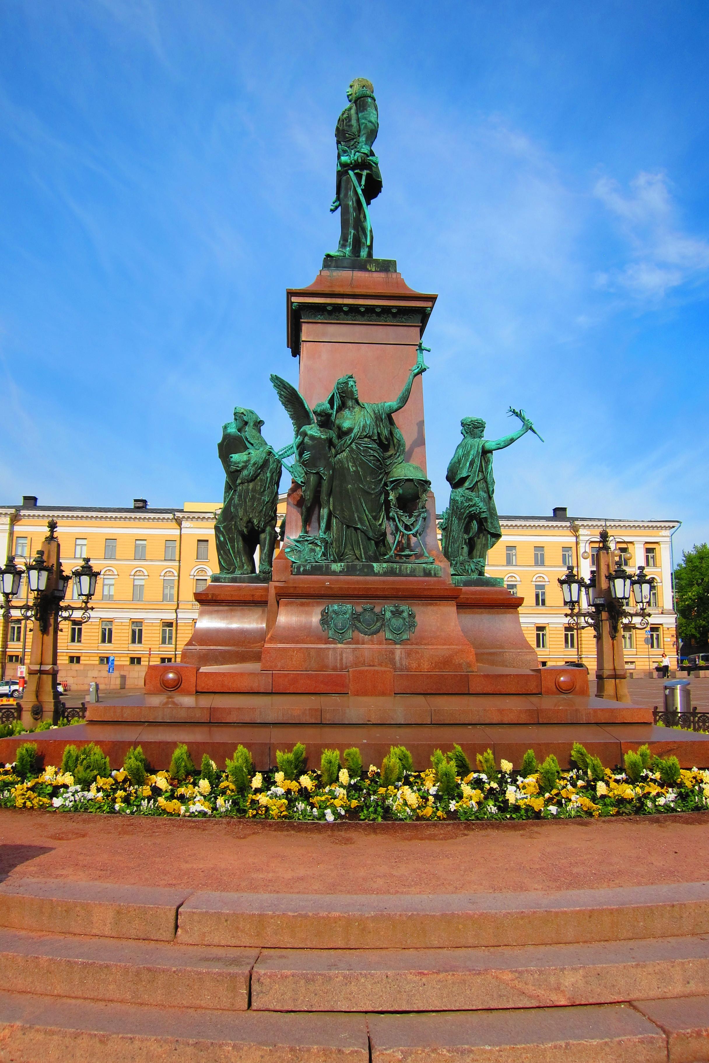 Senate Square Statue, Helsinki, 5/19/19