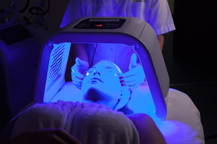 Led Light Therapy | Gold Coast | Pure Skin Plus Clinic