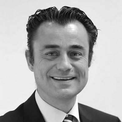 """Bernard Dewamme - Executive Coach & TrainerMentally FitBernard Dewamme a ghidat mai mult de 10.000 de lideri din lumea corporate. În viața de zi cu zi el lucrează la dezvoltarea organizațiilor din Europa, Rusia, Asia și Africa, atât la nivel individual, cât și în cadrul echipelor acestora. Munca sa este caracterizată de simplitate, el emanând energie, dăruire și ambiție. Având o experiență de mai mult de 20 de ani ca antrenor al echipelor olimpice belgiene, el găsește drumul spre """"medalia de aur"""" pentru fiecare persoană sau companie."""