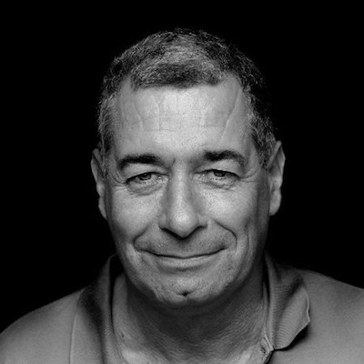 Antonio Camara - ProfesorUniversitatea Nova de LisboaPionier al tehnologiilor AR, Antonio a activat ca professor la Massachusetts Institute of Technology si Cornell University.