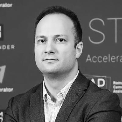 Cristian Dascălu - PartenerGapMinder.VC, ClujHUB, Digital TransformersCristian crede cu tărie în puterea antreprenoriatului, dedicându-și ultimii 8 ani pentru a aduce a aduce soluții economice și sociale pentru problemele cu care se confruntă România. El a fondat și co-fondat: GapMinder VC, ClujHub, Techcelerator, Digital Transformers, TechFest, TEDxCluj, Creative Industries Cluster, NASA Space Apps Romania și multe altele, serii de programe și inițiative menite să dezvolte mediul antreprenorial și pe cel al inovației.