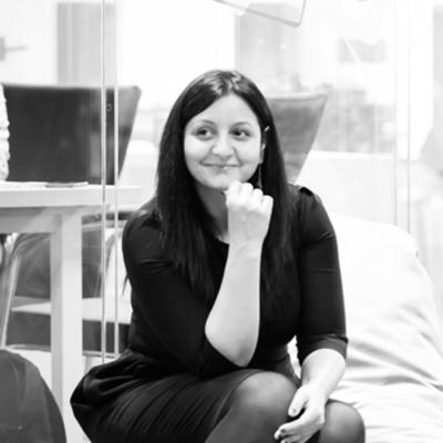 Ioana Sfârlea - CEOIngenious Biz și co-fondator VolteemIoana este consultant și trainer de peste 10 ani, punând bazele Ingenious Biz, o companie de consultanță pentru afaceri. Ea a co-fondat Volteem, aplicația globală care vine în ajutorul voluntarilor pentru a-și găsi programul potrivit pentru ei. Ioana are experiență în domenii diverse, cum ar fi CSR, antreprenoriat și marketing, dar și în mediile universitar și civic.