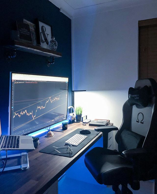 "Finally got myself an office chair, god damn is it comfy.  Trading Platform: @tradingview  Office Chair: @secretlab  Desk: @ikeatoday  Monitor: @acer 43"" 4K"