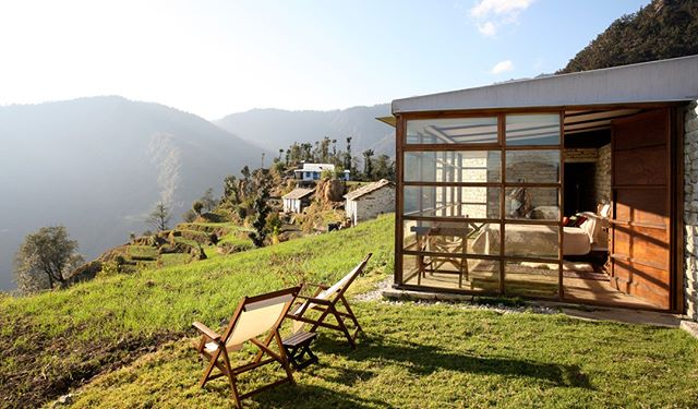 Set in the breathtaking mountain wilderness of the Himalayas at 2,200m, Shakti 360 Leti is one of a kind with four high-end cabins crafted from wood, stone and glass. Spend time reading, practicing yoga or taking guided walks through the mountains and local villages or simply relax and take in the unbelievable views. . . . #india #himalayas #uniquehotels #shakil360leti #33degreesagency #luxurytravel #ecotravel #instatravel #bucketlist #escape #trippingwith33d #lifegoals #reward #incentivetravel #eventmanagement #prizes #promotions #beextraordinary