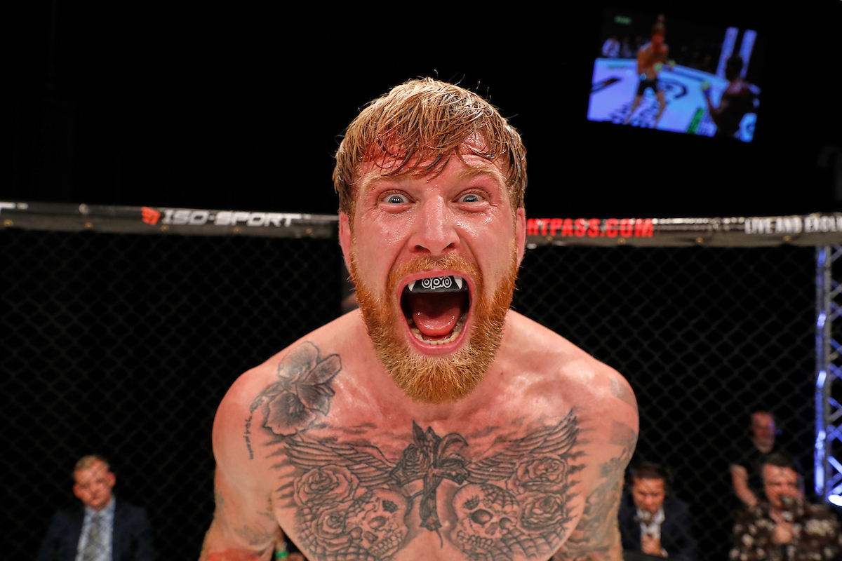 Fight week is here! Cage Warriors 99 goes down at the Colchester Charter Hall this Saturday night, headlined by Colchester's own James Webb and former Middleweight title challenger Jason Radcliffe.   James Webb will ensure that the home fans have plenty to shout about at the Charter Hall when he faces dangerous stricter Jason Radcliffe.