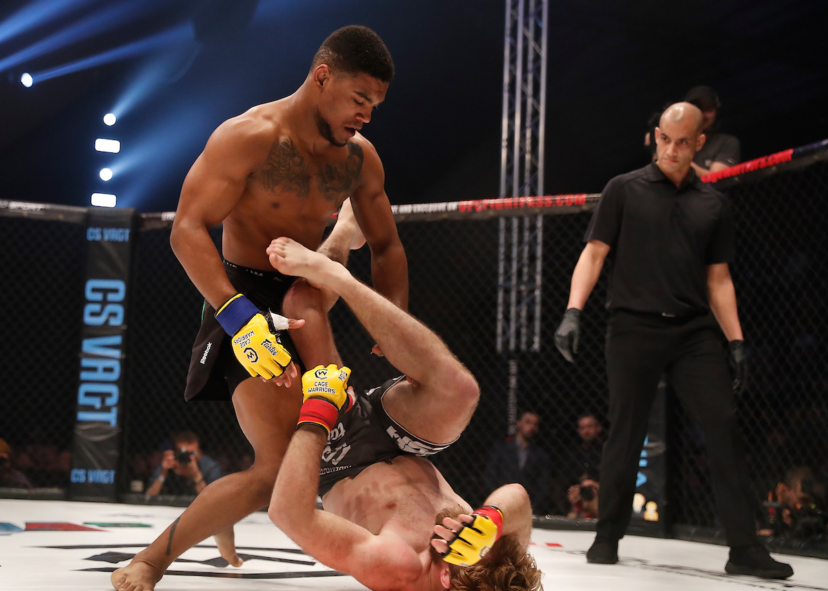 Morgan Charrière troubled Søren Bak with a strong offensive game throughout their CW103 bout