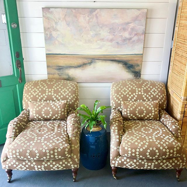 """Kicking off the week with chairs by Lee Industries. Love the shape and fabric is good as is but could be recovered to fit your style! • Lee Industries Arm Chairs - $550 pair (30"""" W x 28"""" D x 33"""" H) • """"Stay Right Here"""" acrylic on canvas by Sarah Jeffers - $850 (48"""" x 36"""") . . . #leeindustries #upholstery #originalart #lowcountry #lowcountryart #lowcountryartist #charleston #homeinspo #shopindigomarket"""