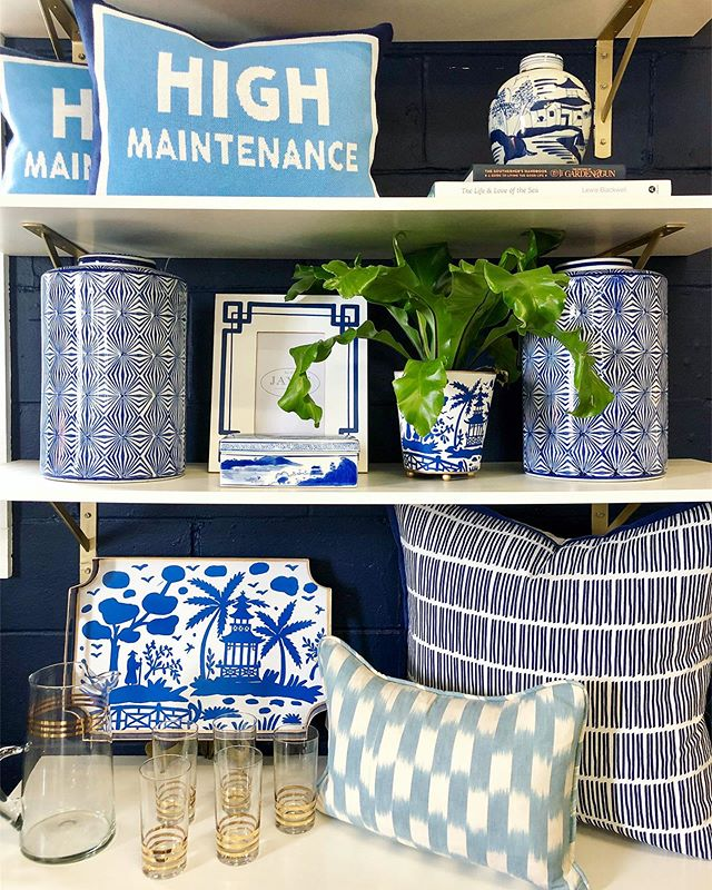 A few of our favorite things 💙🌿 . . . #blueandwhitehome #blueandwhite #blueandwhitedecor #homedecor #homeaccessories #homeinspo #classichome #charleston #charlestonshopping