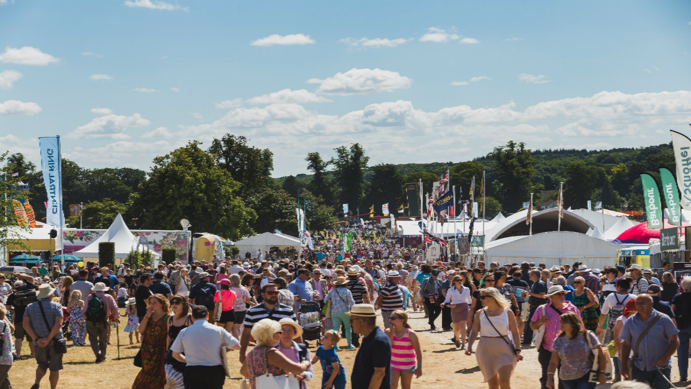 1431767691852-countryfile-live-crowd-scene-from-2016-for-web.jpg