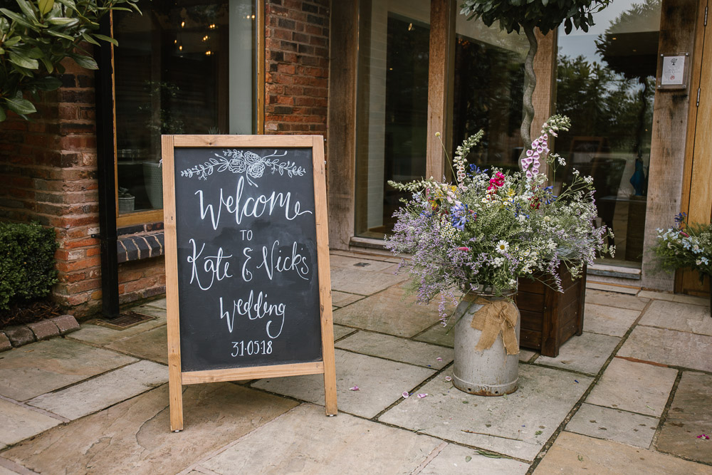 Mythe Barn, Mythe Barn wedding, Danielle Victoria Photography, Staffordshire wedding photographer-1.jpg