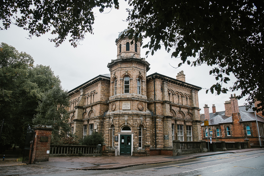 lichfield registry office- staffordshire wedding