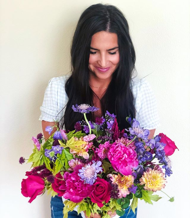 Show up. Be brave. Be daring. Be full of light. - ****************** #talkbloomstome #wildehoneyblooms #wildehoney #justbloom #bloomloudly #beautyinthebloom #staywildehoney #saltlakecity #utah #saltlakecityflorists #flowers #floralarrangement #womenentrepreneur #bouquet #wedding #bridalbouquet #farmfresh #florageutah #homegrown #local #supportlocal #flowerhappy #flowerfriends #growbabygrow #peonies #peony #pinkpeonies #dahlia #dahlias #scabiosa