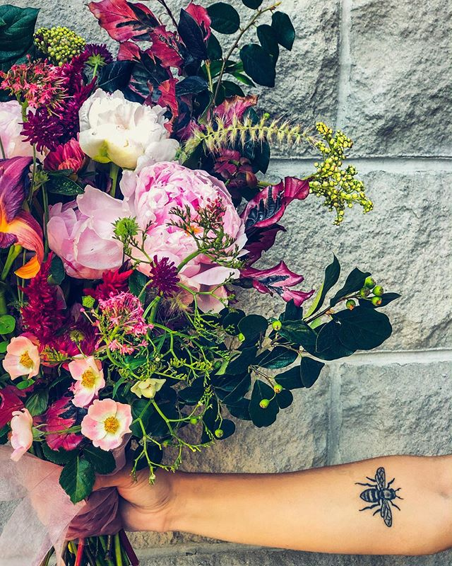 Lost is a lovely place to find yourself. - ****************** - #talkbloomstome #wildehoneyblooms #wildehoney #justbloom #bloomloudly #beautyinthebloom #staywildehoney #bloom #saltlakecity #utah #saltlakecityflorists #flowers #floralarrangement #womenentrepreneur #bouquet #wedding #bridalbouquet #flowerhappy #flowerfriends #feminine #bridals #engagements #bridalbouquet #bride #love #romantic