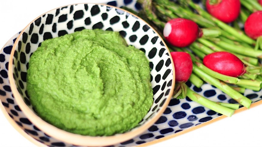 Sweet Pea Dip With Mint And Basil -