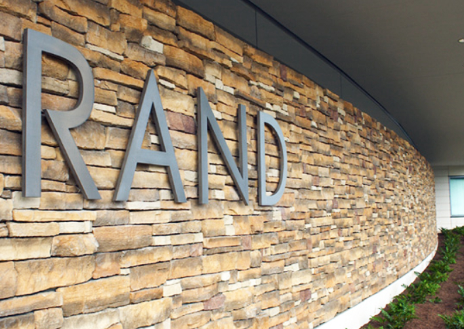 rand_0.jpg