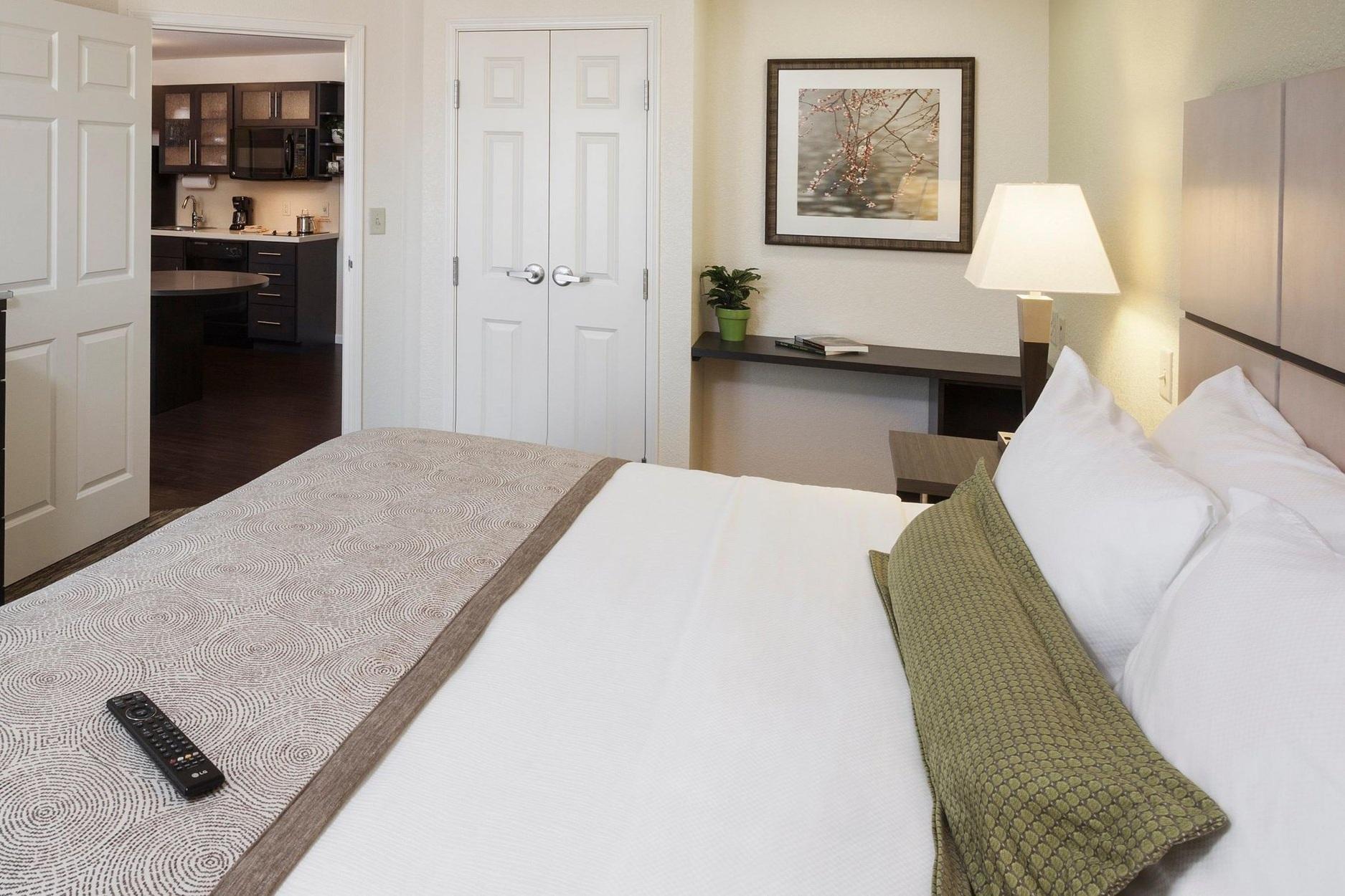 candlewood-suites-houston-4775947990-2x1.jpg