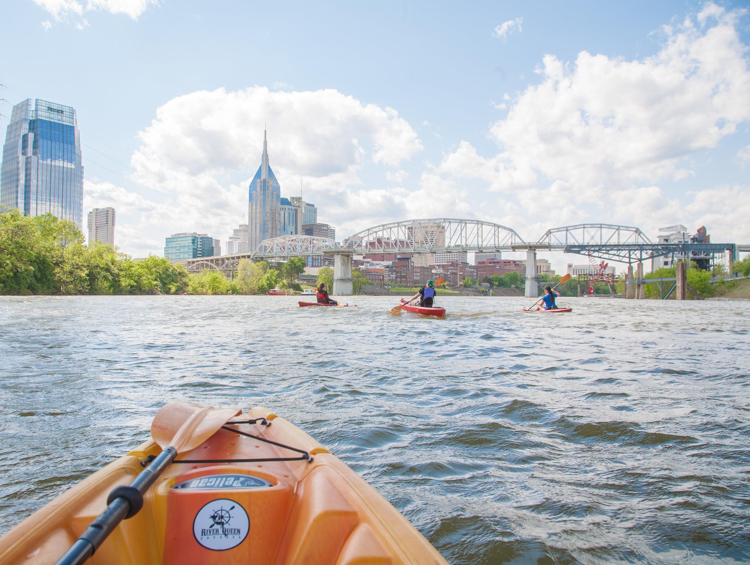 kayak along the downtown nashville skyline