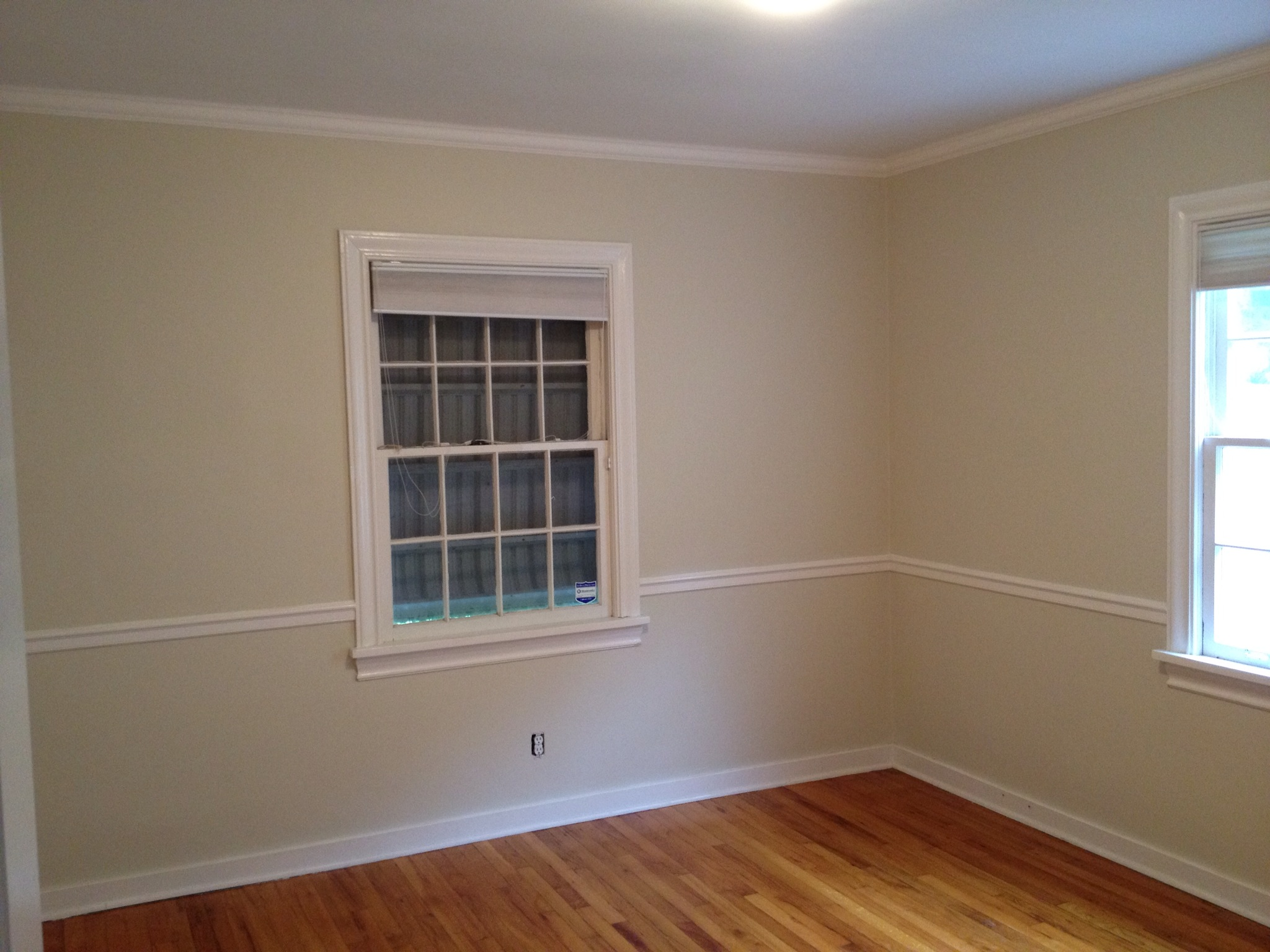 Kids bedroom: Before. Only original work was paint to the room.