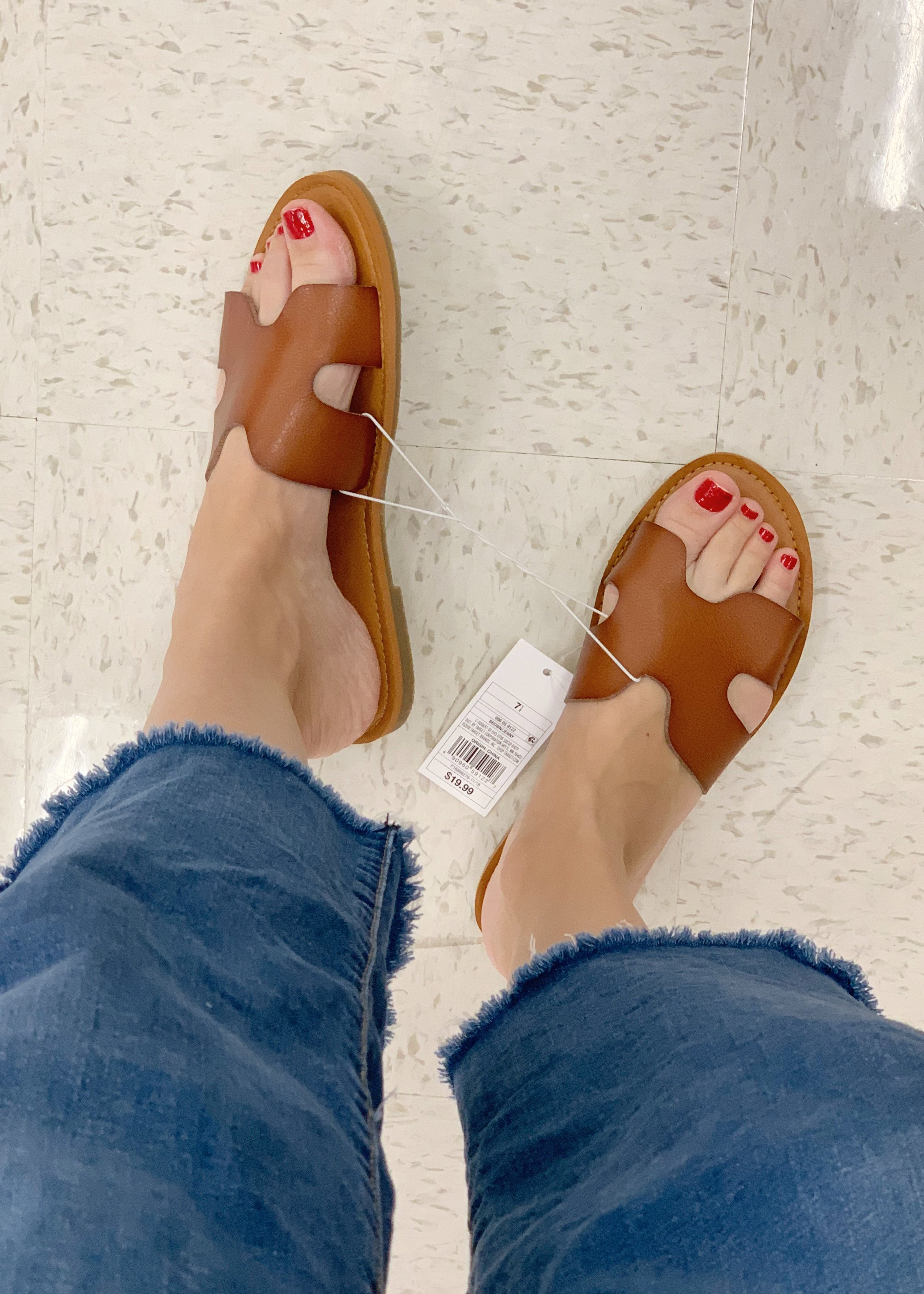 These sandals are a dupe of the Hermes slide and also the Steve Madden greek sandal that was so popular last year and has carried on into this spring too. They are only $19.99 and comes in gold, snake skin and black (although i'm not seeing black online but did see it in the store.).