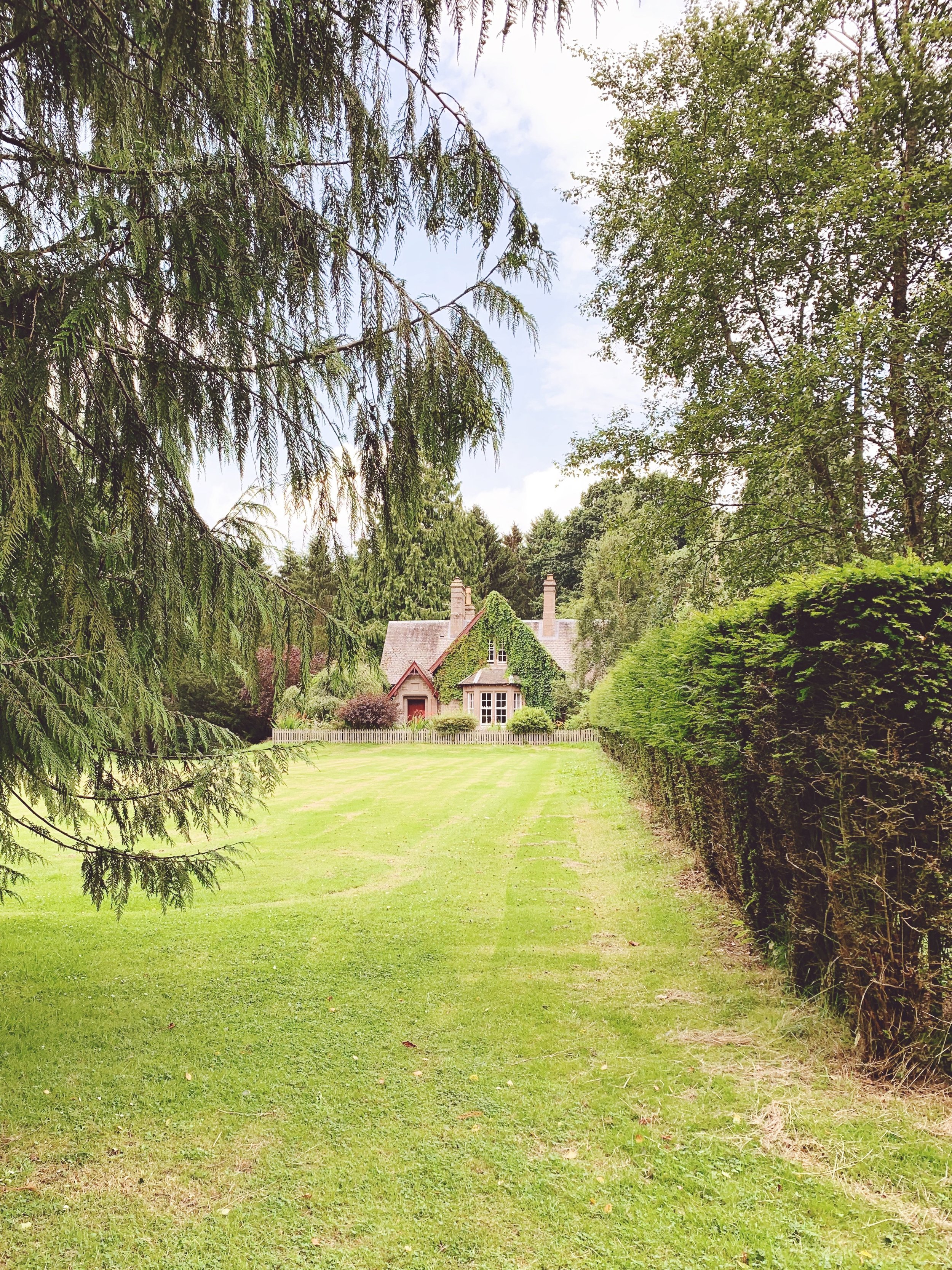 Cottage on the grounds of Glamis Castle