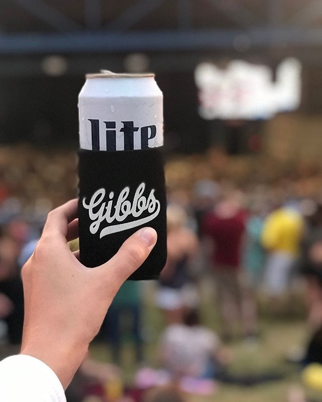 Ohhh that is nice 💪💪 a sighting @summerfest with @abbie.wlf and @finnster18  jealous I'm not there 😜😜 • • • #summerfest2019 #friends #gibbs #getyourgibbsgear #soundthealarn #wisconsin #summerfest #milwaukee
