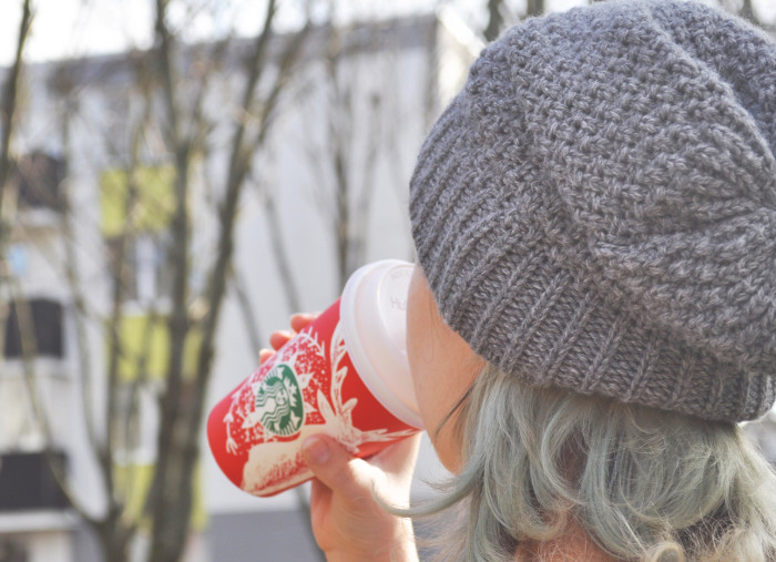 Easy Tips for Ordering Low-Calorie Holiday Drinks - Yummy festive drinks like Pumpkin Spice and Caramel Brulée Lattes are hard to resist. But these joyous drinks can be 300+ calories a cup! This means you need to drink smart and to cut those 800+ empty calories a day. So, here's how to order your favorite cozy, yummy drinks through the holiday season without clocking-up those calories!