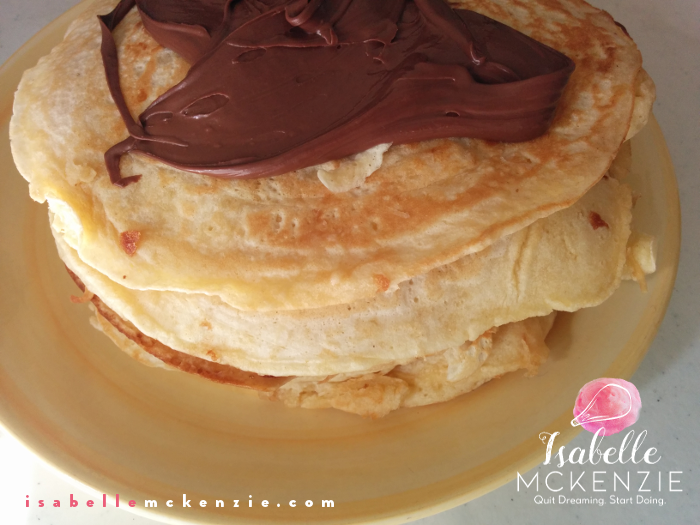 FLUFFY PANCAKES + 11 Sugar-Free Toppings - Isabelle McKenzie
