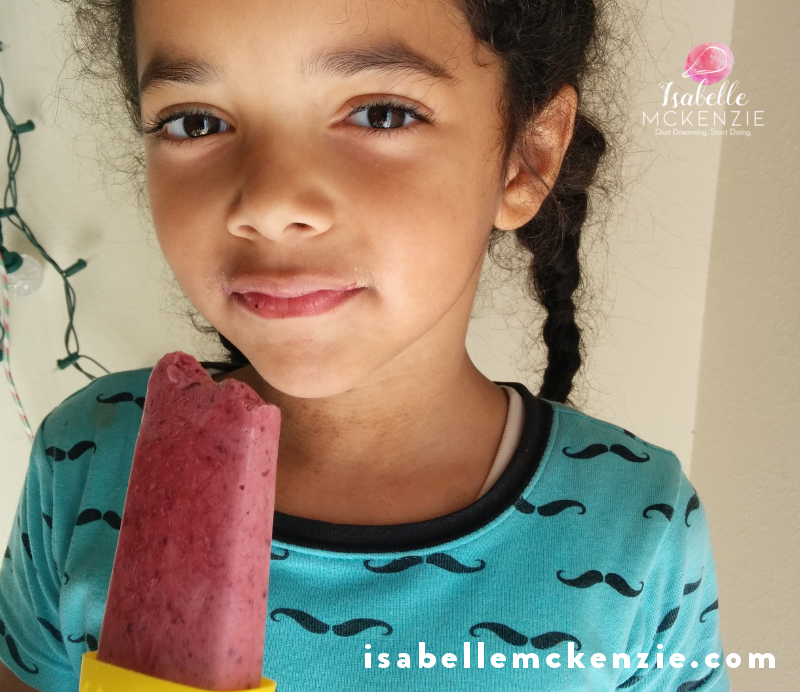 Sugar-free fruity power pops Recipe + craving tips - They are ridiculously easy to make, SUGAR-FREE, low carb and easy on the wallet (the only hits you take are the Sweet Drops Liquid Stevia Vanilla Crème, and the purchase of the popsicle molds if you don't have any).