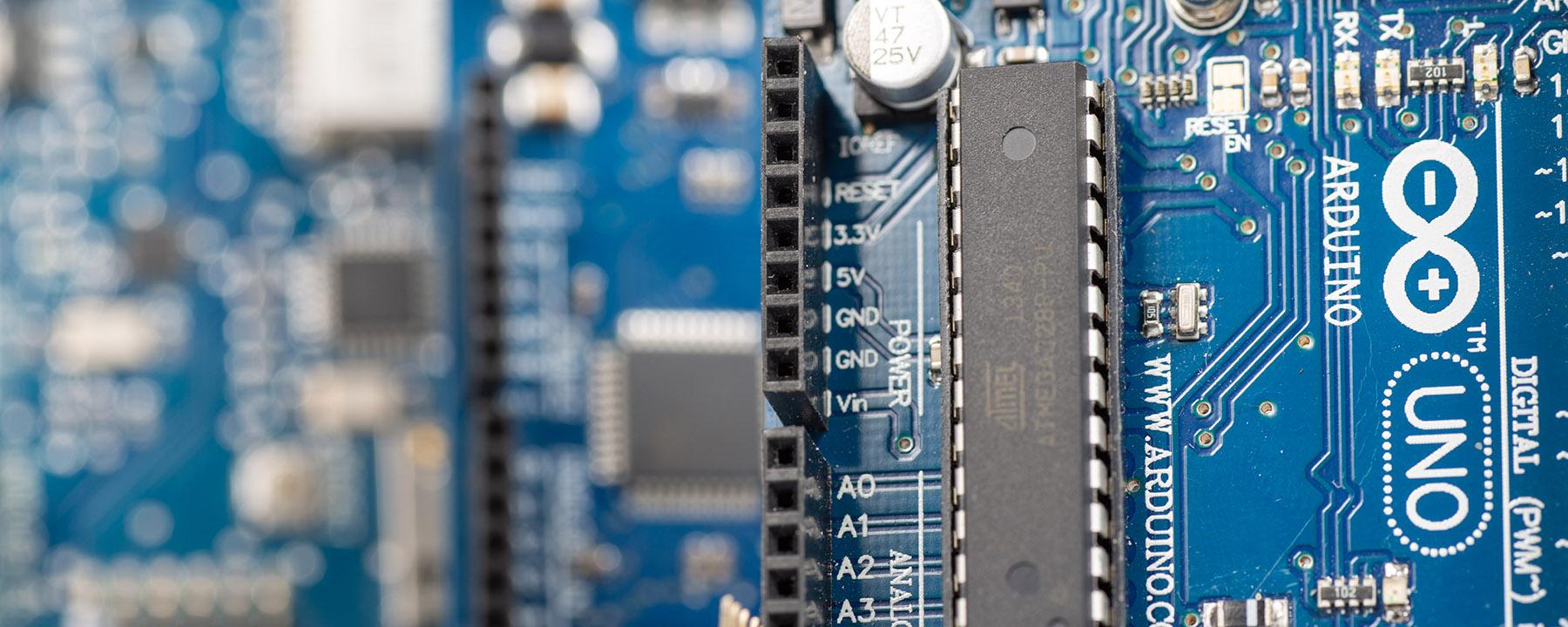 Microprocessor-vs-Microcontroller-vs-Microcomputer-1.jpg