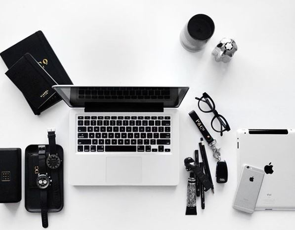 desk apps.JPG