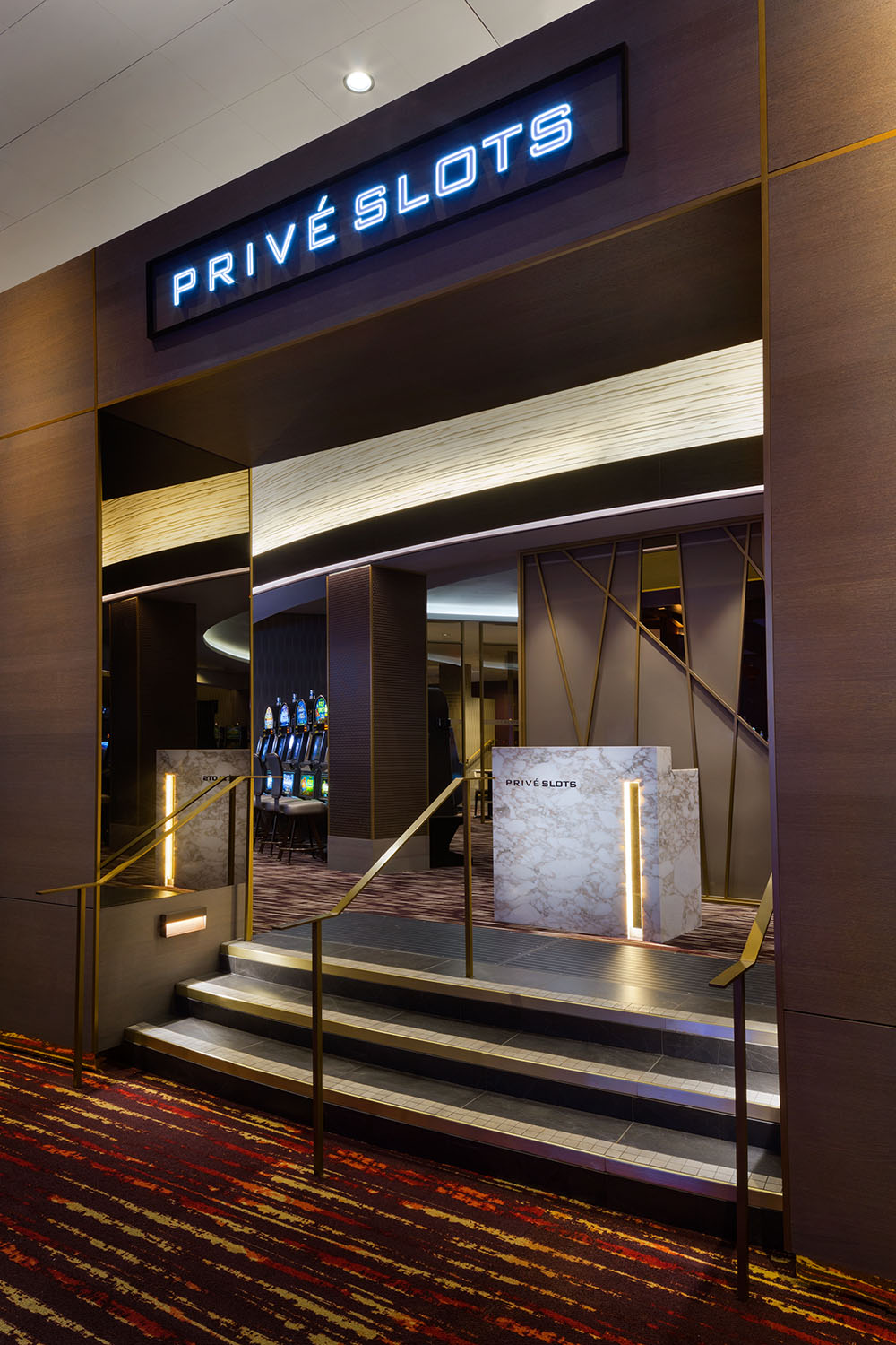 prive-slot-entry.jpg