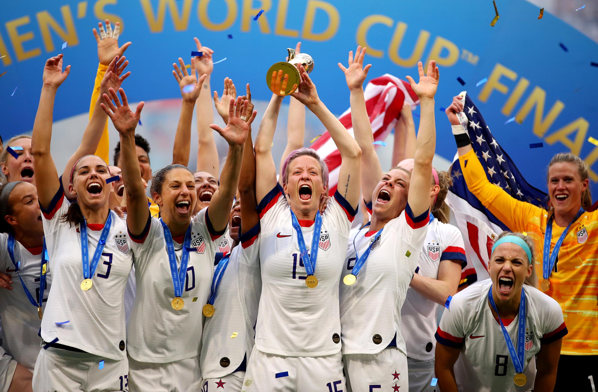 190707-uswnt-world-cup-celebration-cs-138p_fa7255f58400158eab37fd083f57666e.jpg