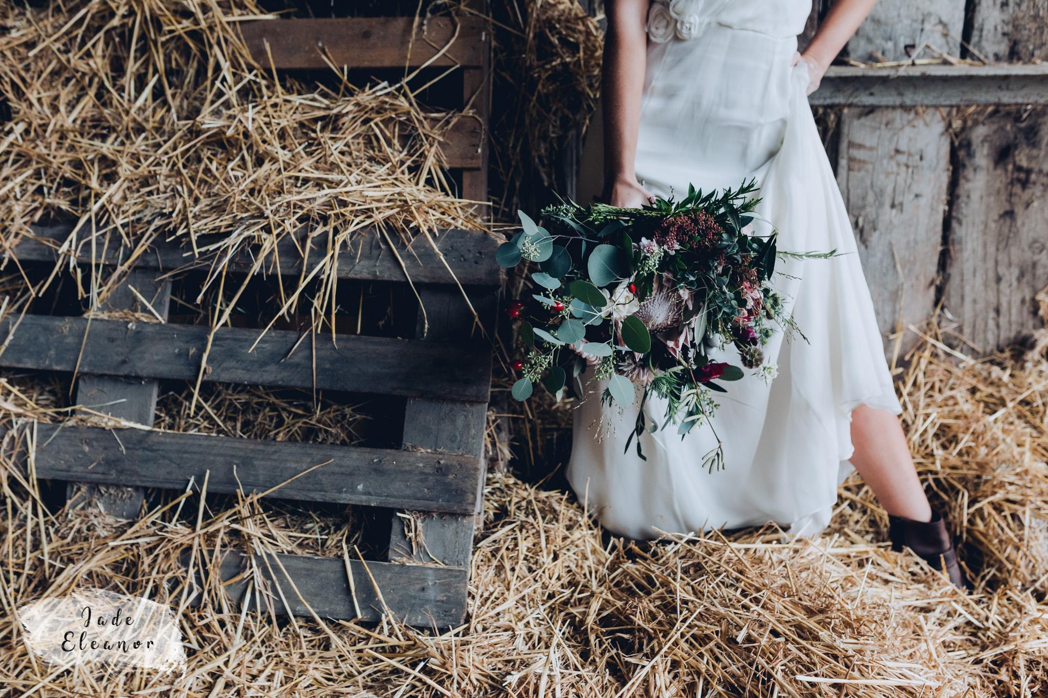 Bysshe Court Barn Wedding Jade Eleanor Photography-19.jpg