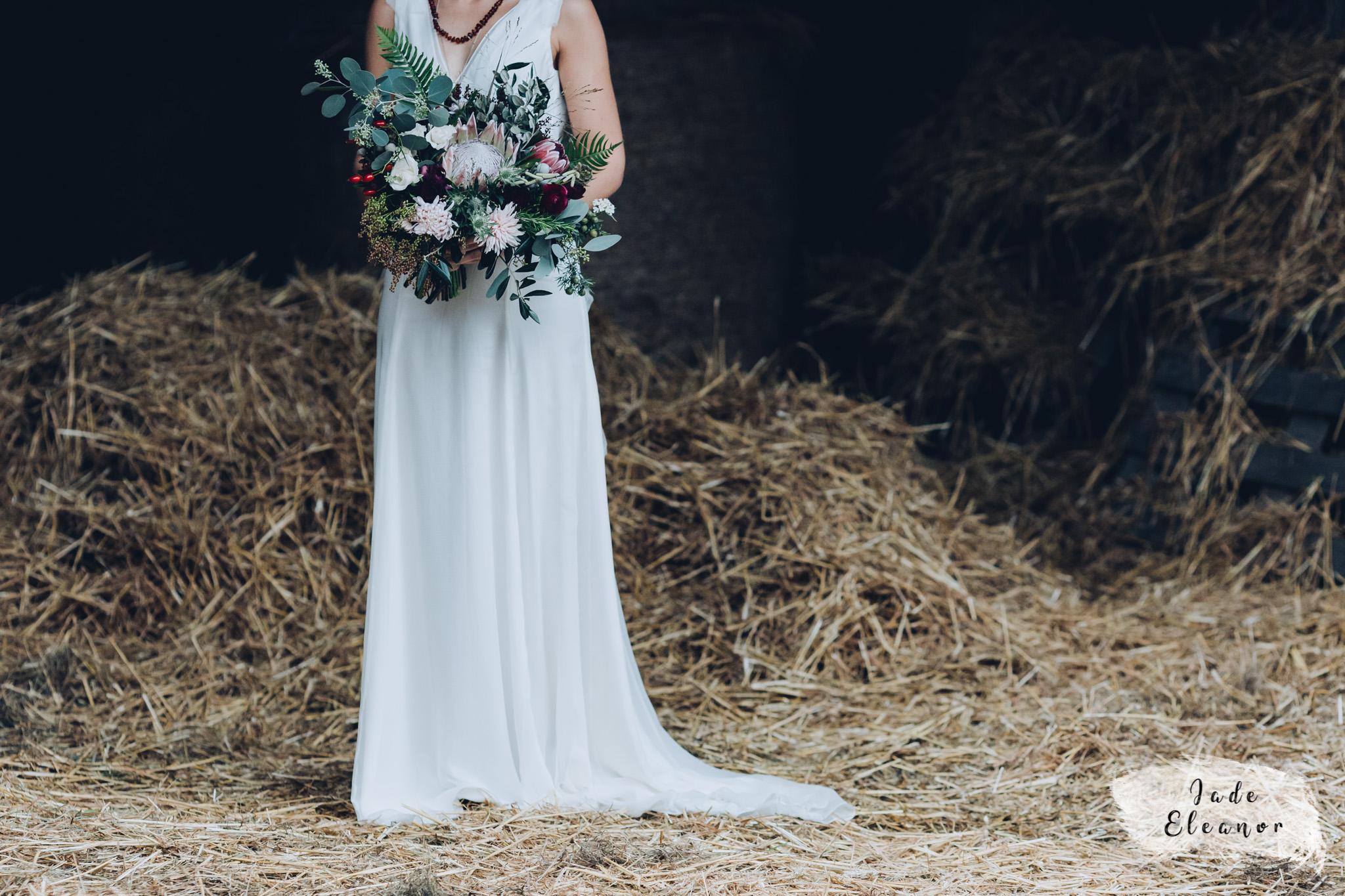Bysshe Court Barn Wedding Jade Eleanor Photography-21.jpg