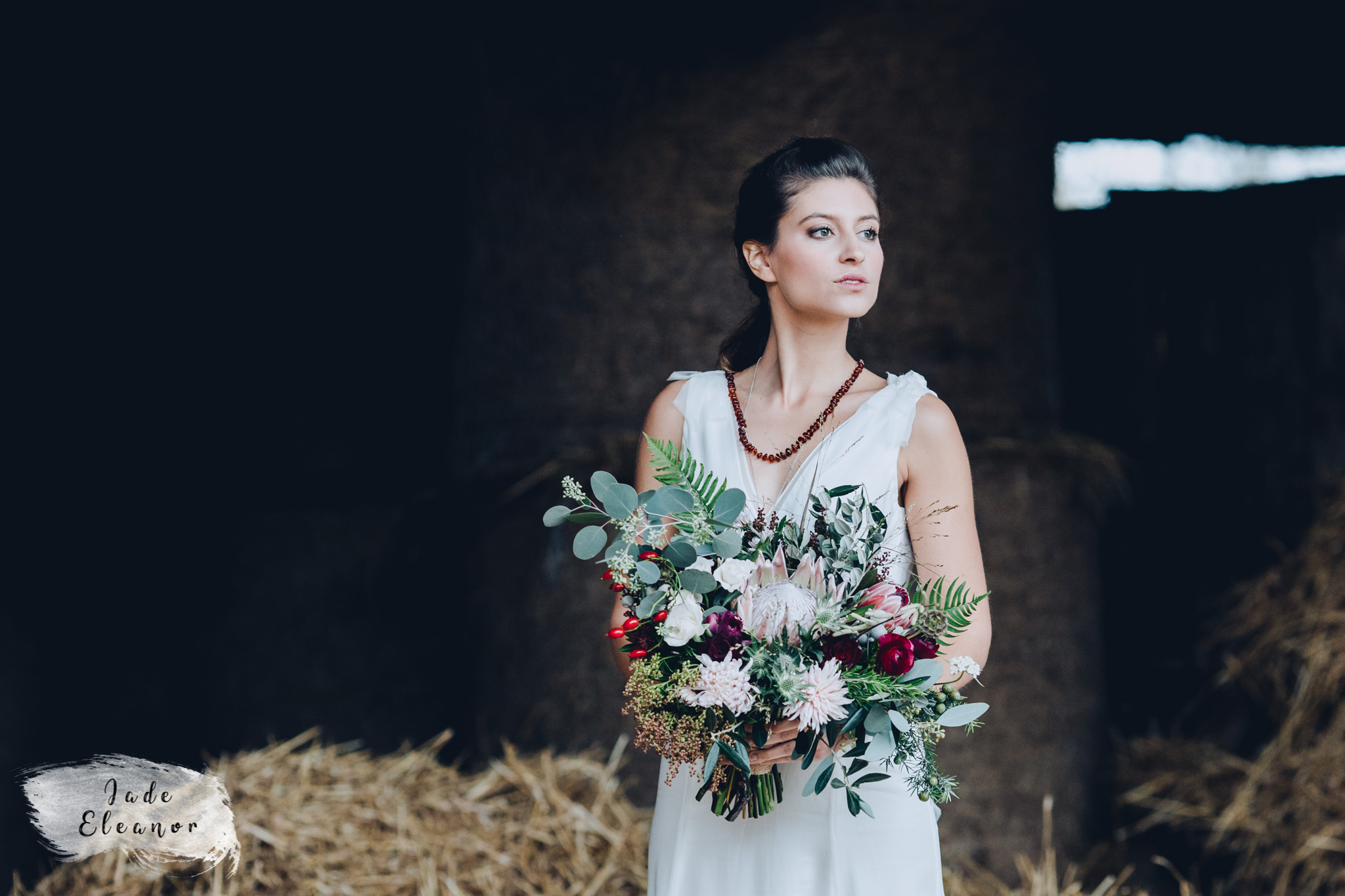 Bysshe Court Barn Wedding Jade Eleanor Photography-22.jpg