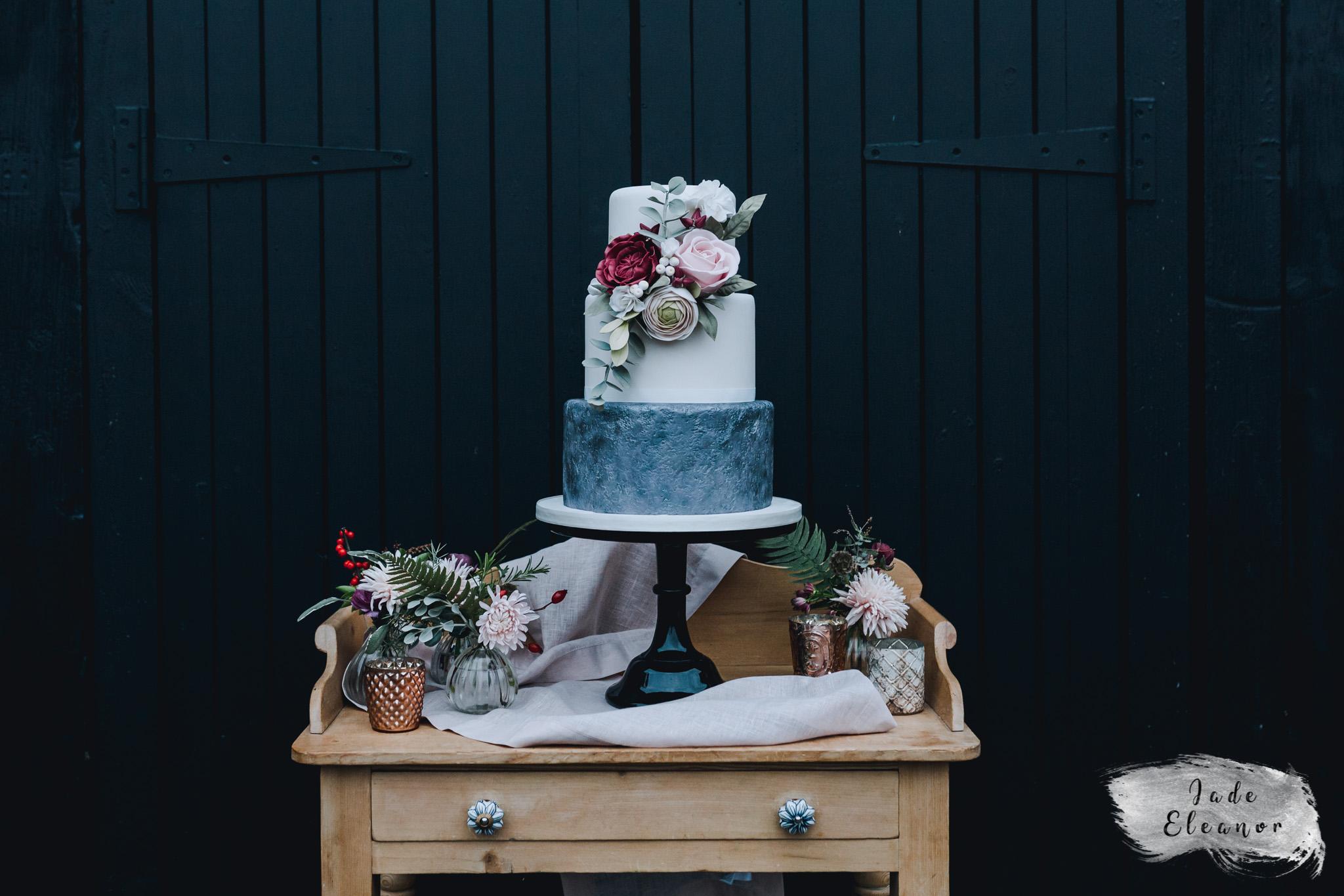 Bysshe Court Barn Wedding Jade Eleanor Photography-43.jpg