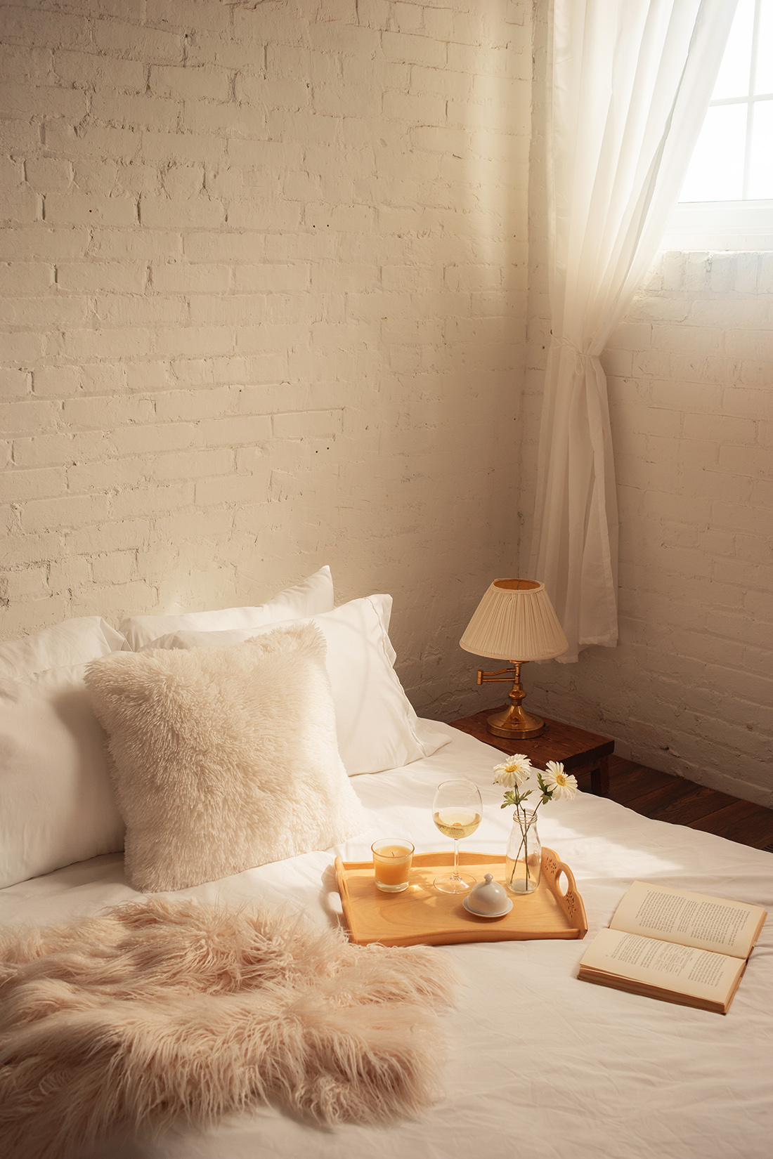 the-lunar-loft-product-photography-bed-1.jpg