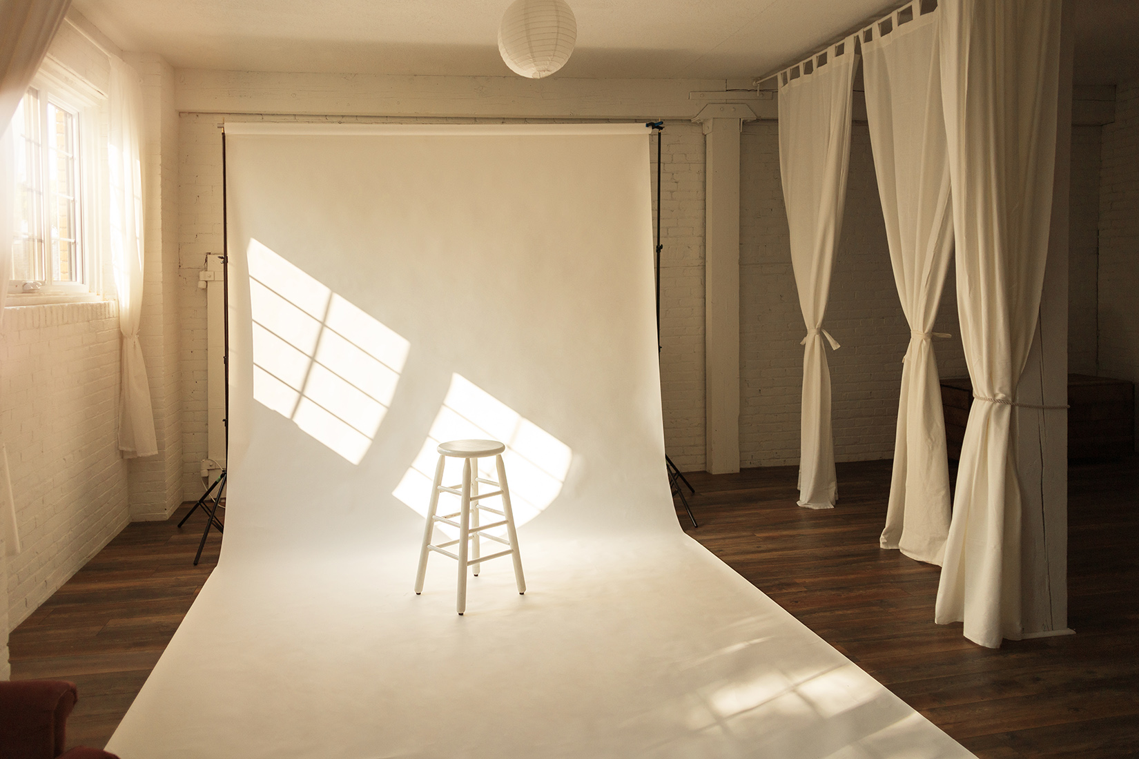 the-lunar-loft-hamilton-photo-studio-toronto-brand-photographer-lifestyle.jpg