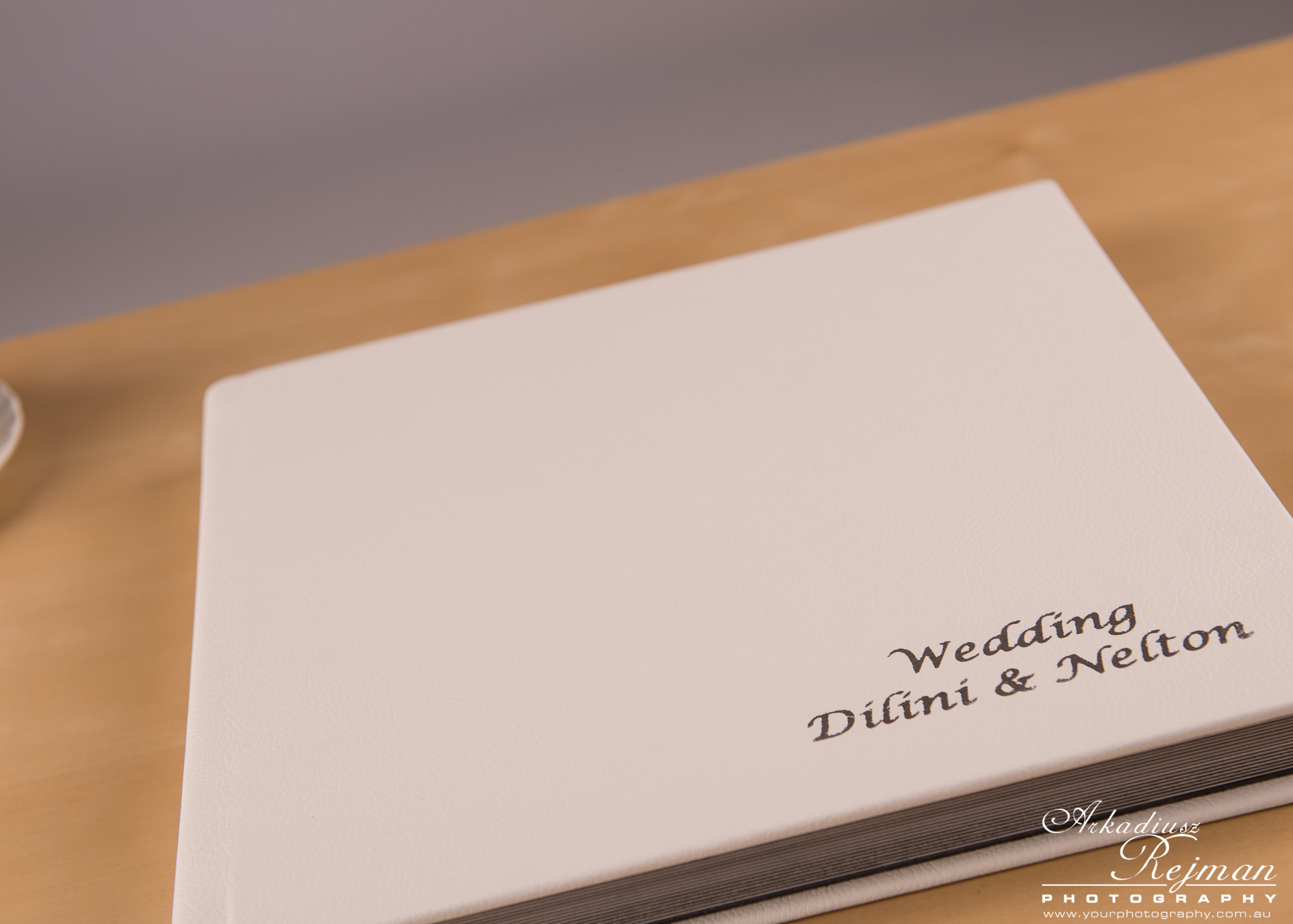 WeddingAlbum-White-0003.jpg