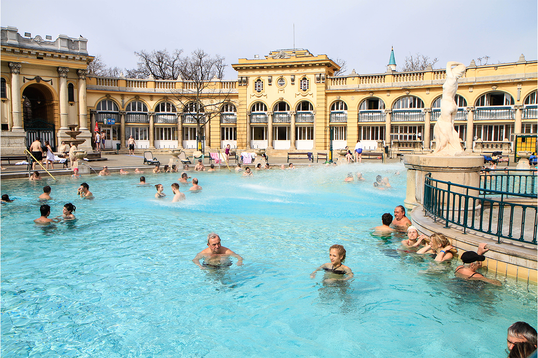 Budapest-Széchenyi-thermal-bath-5.jpg
