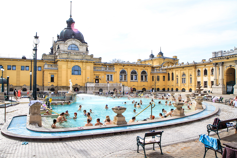 Budapest-Széchenyi-thermal-bath-3.jpg