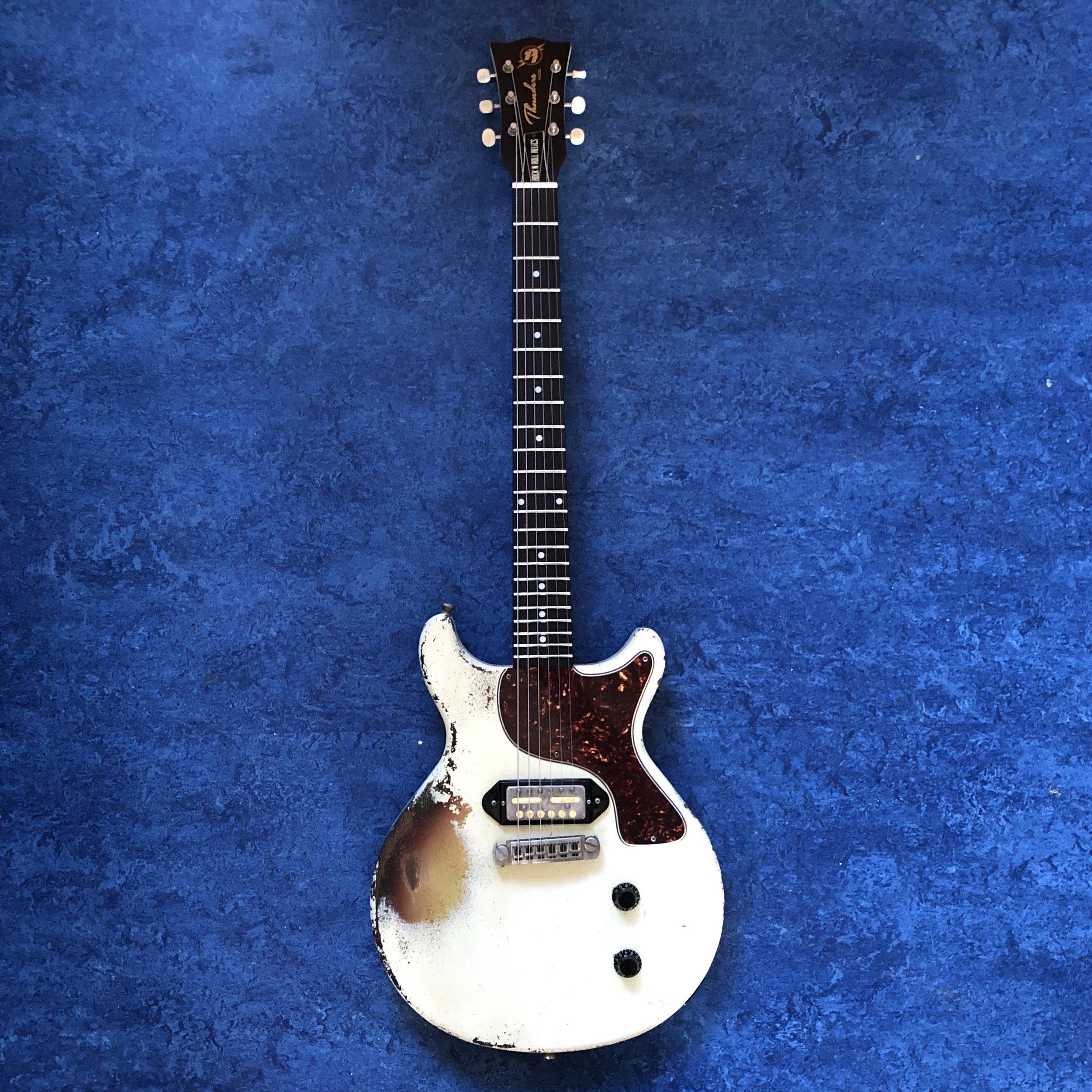 thunders-guitar.jpg