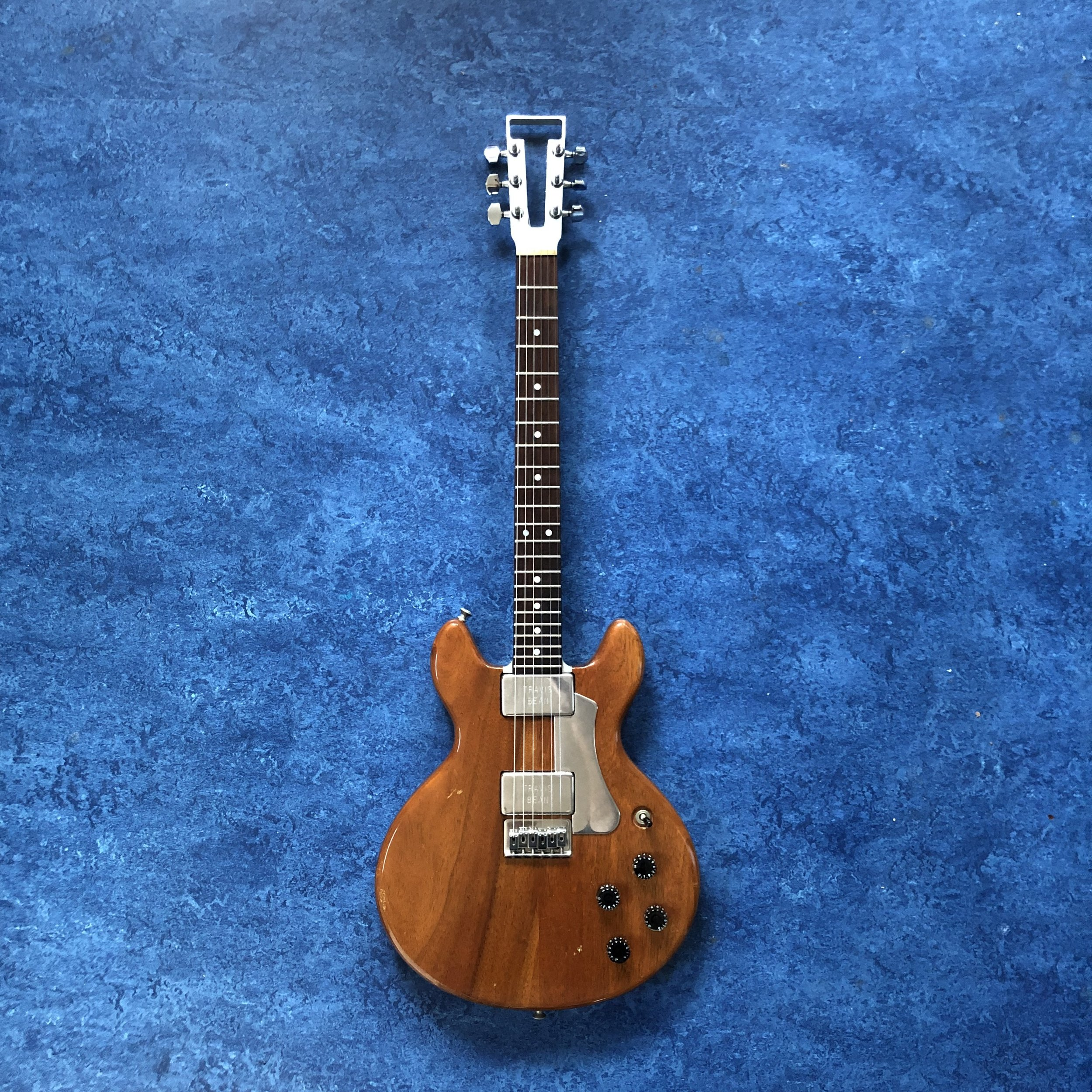 travis-bean-guitar.jpg