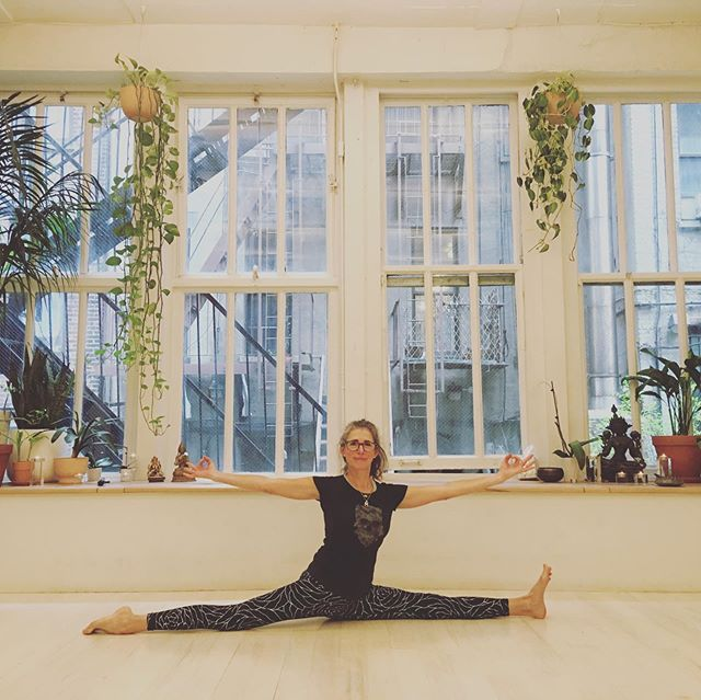 Highlights here include finding Hanumanasana (Monkey pose) and more importantly sharing space and practice with baby bear at the wonderful studio Three Jewels in NYC under the guidance of Javier Vergera, a beautiful man inside and out. 🐻🐻🧘🏻♀️🙏🏻 . . .  A fun though challenging pose, Hanuman is the figure in Hindu mythology who took a leap of faith and lept from southern India to Sri Lanka.  In this posture we are reminded of the strength of mind and body in adopting such an attitude.  What leaps of faith have you encountered that allowed for your evolution? . . . Always practice after warming up...I like to do this one daily at the tail end of my regular practice 🐒😆 reminding me to stay open to those moments where faith is exactly the potion which dissolves insecurity and fear. 🐒🙈🙉🙊👏🏼💕 . . . #interiorconsciousness #meditation #yoga #mindfulness #yogaposes #threejewelsnyc #mentalhealth  #inspiration #yogini #mindbodysoul #mindbodyconnection #yogateacher #meditationteacher
